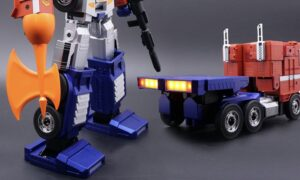 Hasbro Yeni Transformers robotu. 700$'lık Optimus Prime;