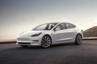 Tesla Model 3, 10 saatte Toplam 1000 km yol kat etti