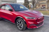 Ford benzinden daha fazla elektrikli Mustang üretiyor